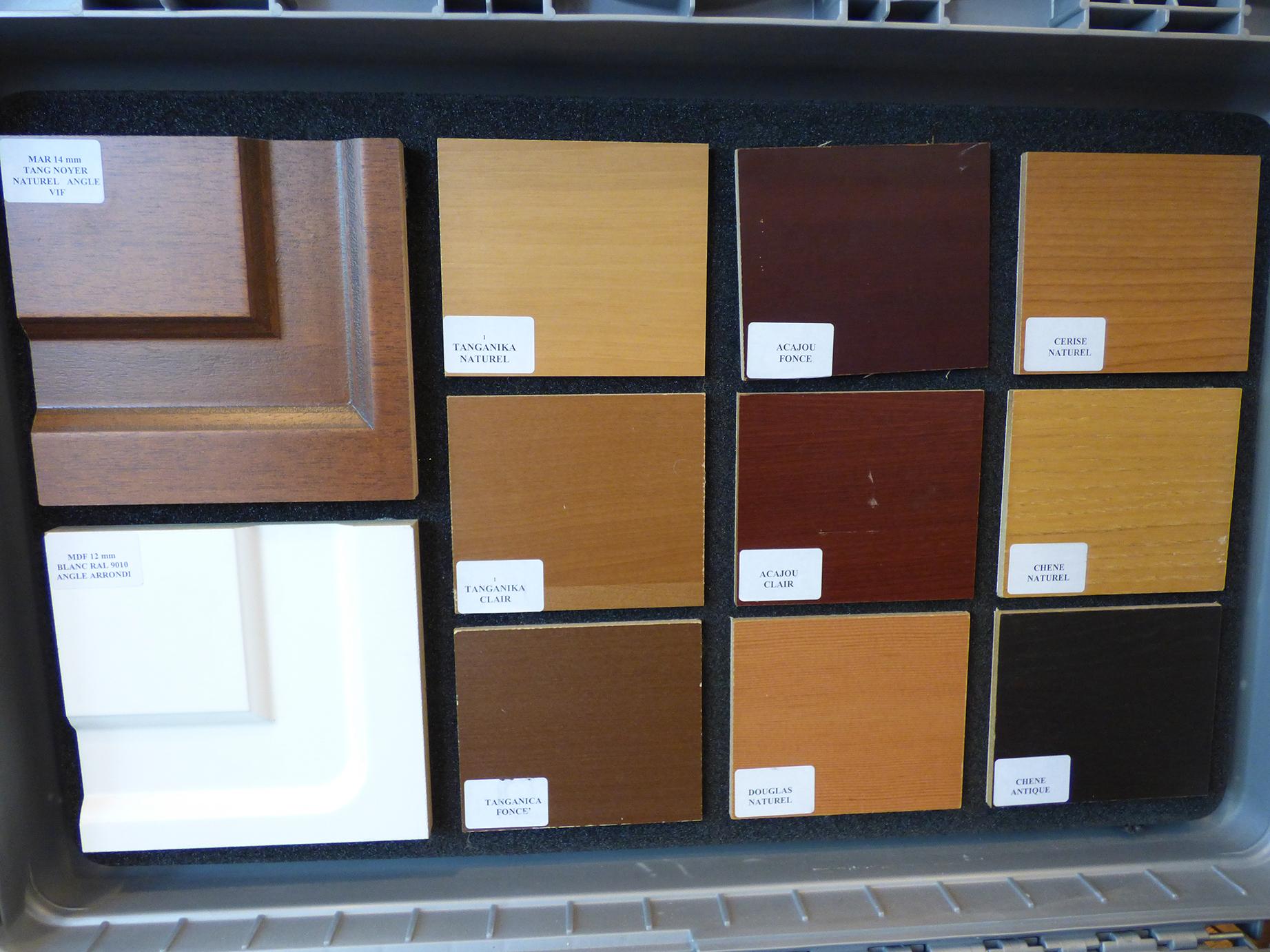 portes blind es masters menuisiers dans le var pacales masters menuisiers menuiserie pvc. Black Bedroom Furniture Sets. Home Design Ideas