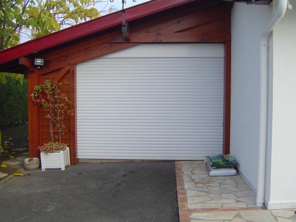 Porte De Garage Enroulable Les Masters Menuisiers