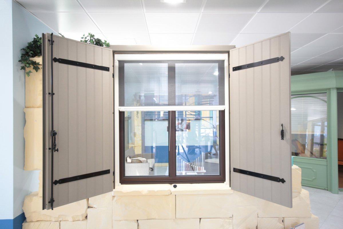 moustiquaire moustiquaire sur mesure. Black Bedroom Furniture Sets. Home Design Ideas