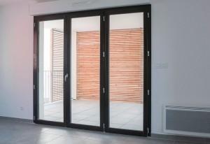 porte fenêtre bois chêne foncé