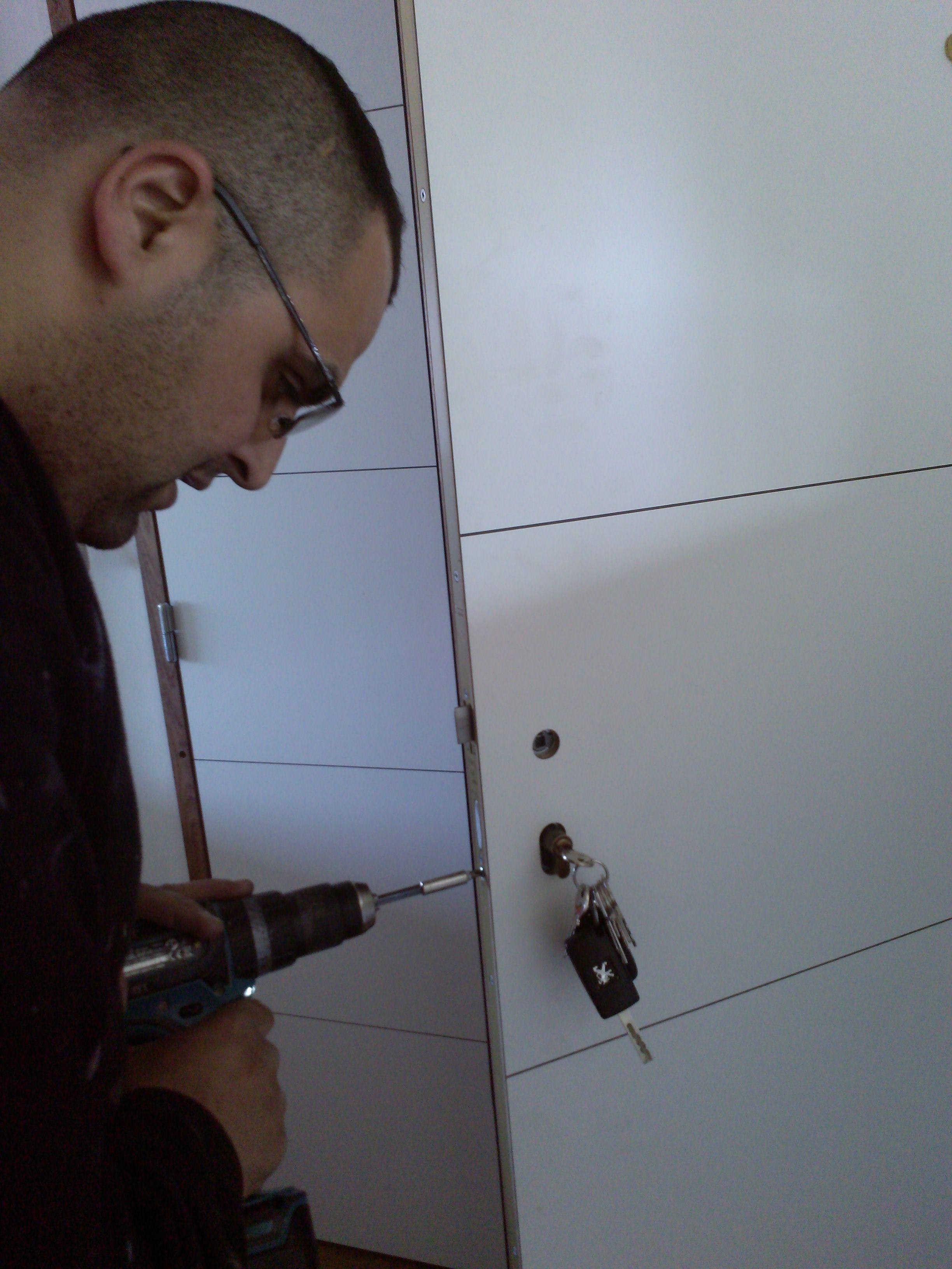 Porte pali re var installateur porte d 39 appartement les masters menuisiers entreprise de - Portes palieres appartements ...
